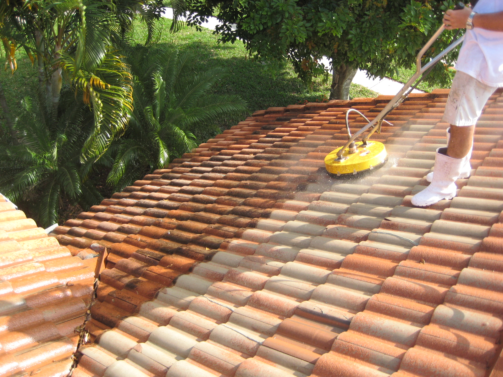 Roof Cleaning Amp Tile Roof Cleaning Poses Some Unique